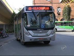 Série Eleições fala sobre o transporte público - A Associação Nacional de Transportes Públicos fez uma pesquisa em 438 municípios brasileiros com mais de 60 mil habitantes. O estudo realizado em 2010 mostra que cada pessoa percorreu mais de três mil quilômetros, em média, no ano.