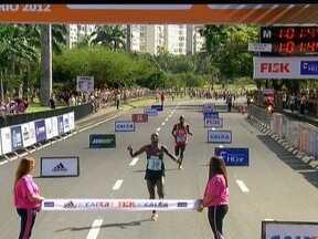 Quenianos dominam meia maratona do Rio de Janeiro - Dois segundos separaram o vencedor do segundo colocado.