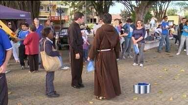 Igreja católica celebra em agosto o mês das vocações - Diocese promoveu a VIII Caminhada Vocacional para refletir sobre o tema.