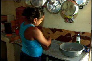 Na zona rural de Barbalha moradores reclamam do abastecimento irregular de água - Reservatórios estão completamente vazios