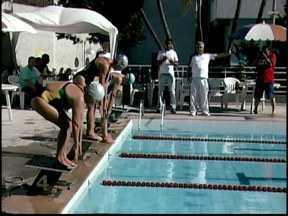 Seletivas de natação em Divinópolis reuniu atletas de várias idades e clubes - A final do Campeonato Mineiro Master de Natação será no dia 20 de outubro, em Belo Horizonte.