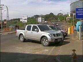 Dois homens foram presos com um carro que tinha placas clonadas - As placas clonadas eram de um carro da Bahia