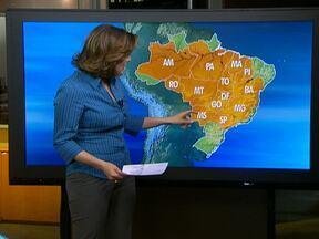 Ar seco mantém céu praticamente sem nuvens na maior parte do Brasil - Pode chover apenas em parte da costa leste brasileira, principalmente entre o Espírito Santo e a Bahia e entre o Amapá e oeste do Acre.