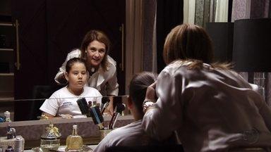 Carminha pede que Ágata minta para Tufão - Nina escuta quando mãe e filha enganam o patrão