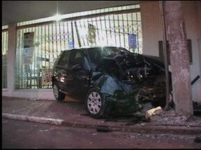 Acidente deixa jovem ferido em Cachoeira do Sul, RS - Acidente de trânsito causou transtornos no centro da cidade.