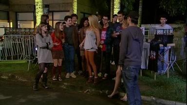Malhação - Capítulo de segunda-feira, dia 27/08/2012, na íntegra - Show do pai de Morgana vira evento social na escola