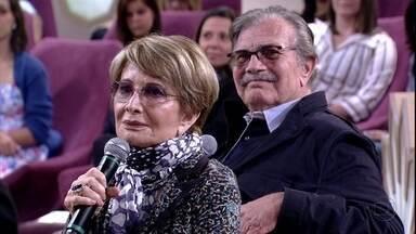Glória Menezes e Tarcísio Meira relembram cena de 'A Favorita' - No palco, os dois falaram sobre a interação nas novelas