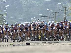 Maior prova de cilcismo de estrada da América Latina começa nesta quarta (29) - Os ciclistas saem Barra da Tijuca em direção à Angra dos Reis. A largada está prevista para às 10h15 da manhã. Agentes de trânsito da prefeitura estão a postos desde às 5hrs.