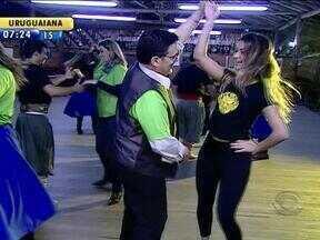 Turma do CorreRia encara a o desafio dança gauchesca - Objetivo do grupo é se apresentar na Semana Farroupilha.