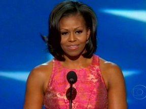 Começa convenção que deve oficializar candidatura de Obama à reeleição - Os democratas vão ter quatro dias par mostrar os feitos do presidente no primeiro mandato. Nesta terça-feira (4) foi a vez da primeira-dama Michelle Obama. Ela disse que a melhor opção para os americanos hoje, é dar um segundo mandato a Obama.