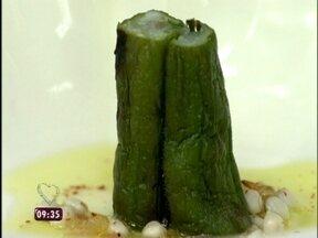 Sudbrack ensina a fazer caviar com sementes de quiabo e carpaccio de camarão - A chef contou que viajou pelo mundo mostrando a novidade
