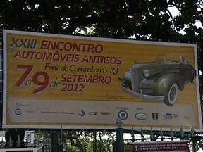 Feira de carros antigos movimenta Copacabana - Encontro de apaixonados por carros antigos acontece no Forte de Copacabana e vai até amanhã (9/9). A entrada custa R$ 6.