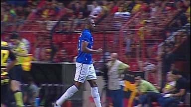Cruzeiro se prepara para enfrentar o Figueirense nesta quarta-feira - Meio-campo Leandro Guerreiro se juntou ao time no Sul do país.