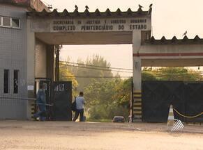 Onze presos fogem de penitenciária nesta madrugada em Salvador - Detentos tiveram acesso à área externa do presídio Lemos de Brito por uma passagem feita em uma cela.
