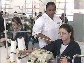 Cursos técnicos qualificam jovens em Cianorte - Eles se inscreveram no Pronatec