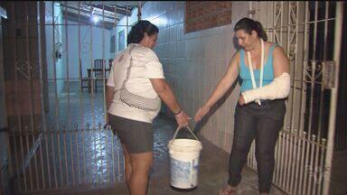 Moradores de Praia Grande continuam sem água - Moradores se preocupam com abastecimento durante temporada de verão.