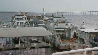 Balsas do São Raimundo seguem desativadas, em Manaus - Com a inauguração da ponte Rio Negro, as balsas que funcionavam no porto do São Raimundo ficaram sem uso.