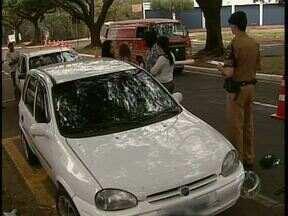 Muitos motoristas insistem em dirigir sem carteira de habilitação em Maringá - E quem empresta o carro pode pagar caro.
