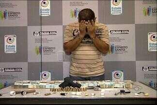 Dono de hotel é suspeito de facilitar venda de drogas em Vitória - Segundo a polícia, empresário foi preso com arma, dinheiro e drogas.
