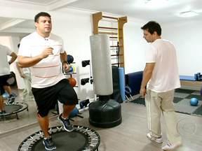 Ronaldo começa uma nova etapa no Medida Certa - O ex-jogador está obcecado em perder a barriga e não falou de outra coisa durante os treinos. Por isso, ele está fazendo pouca musculação e muitos treinos de aeróbica para queimar a gordura. Mas o Fenômeno terá que resistir a algumas tentações.