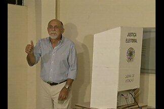 Autoridades votam em Belém - Governador do estado e prefeito de Belém votaram na capital paraense.
