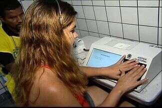 Mais de 240 pessoas são presas no ES durante eleições municipais - Crimes como boca de urna e compra de votos foram registrados. Apenas na região metropolitana, 72 pessoas foram detidas.