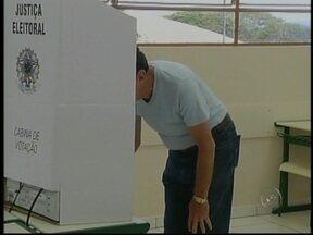 Veja como foi a votação em cidades do Centro-Oeste paulista - Em Borá, SP, Luiz Carlos Rodrigues, do PT, foi eleito com 100% dos votos válidos. Isso porque o candidato Nelson Celestino Teixeira, do PSDB, está com a candidatura indeferida com recurso.
