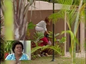 'Se der mole, a Zezé vai querer conquistar o Tufão', brinca Cacau Protásio - Cenas memoráveis de Avenida Brasil são comentadas por Cacau e Claudia