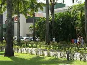 Usuários de planos de saúde reclamam do atendimento em Salvador - Em algumas emergências e urgências de hospitais particulares, os pacientes chegam a esperar durante horas, até que sejam atendidos.