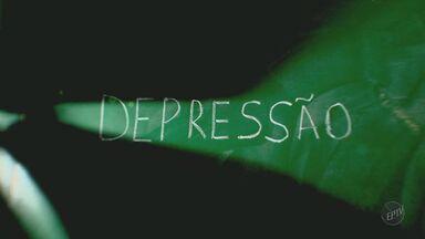Aumenta número de professores afastados do trabalho por depressão - Uma pesquisa do Sindicato dos Professores do Estado de São Paulo mostra que o número de professores afastados do trabalho por depressão e outros transtornos psiquiátricos aumentou.