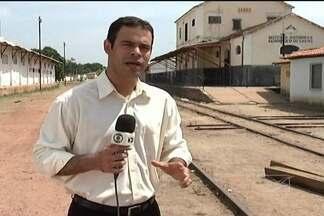 Em Caxias, um homem foi morto e dois ficaram feridos em uma tentativa de assalto a um trem - Confira as informações com o repórter Laercio Caldas.