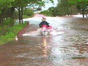 Rio Quaraí começou a baixar nesta quarta-feira (10) em Quaraí, RS - Devido às cheias, seis escolas cancelaram as aulas.