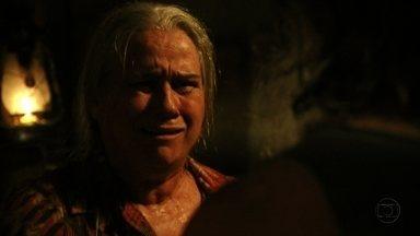 Lucinda acusa Nilo de ser um monstro - Janaína apressa Lúcio para sair do lixão
