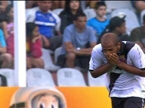 Vasco perde para o Santos por 2 a 0 e deixa o G-4 do Brasileirão - Depois de 54 rodadas seguidas, o alvinegro fica fora do G-4 no Campeonato Brasileiro.
