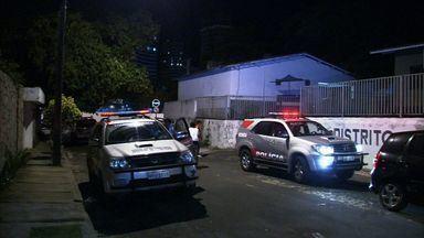 Grupo tenta fugir de delegacia e é impedido a tiros de policiais - Segundo a polícia, grupo tentaria uma fuga em massa.