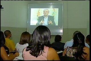 Educação a distância cresce cada vez mais no país - Em Montes Claros, os alunos aprovam o método.