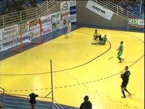 Paranaense de Futsal tem rodada cheia de gols. Confira - Paranaense de Futsal tem rodada cheia de gols. Confira