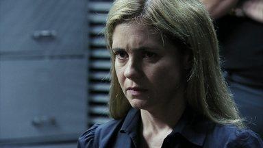 Carminha assume o assassinato de Max - O delegado diz que precisará fazer uma acareação com todas as testemunhas, pois a polícia concluiu que o crime não foi cometido por Lucinda.