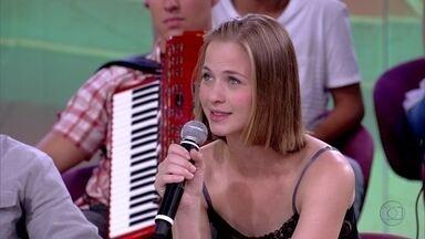 Luiza Valdetaro prestou vestibular para fonoaudiologia e artes cênicas - Atriz foi chamada para fazer testes para comerciais na rua