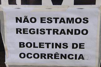 Policiais civis paralizam atividades por 12 horas em Goiânia - Ocorrências, investigações, tudo está parado nas delegacias e os auxiliares de autópsia também não estão trabalhando.