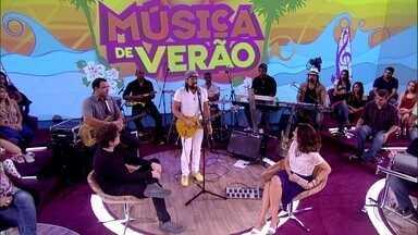 Bell Marques declara: 'Brasileiro é o verão' - Músico diz que Chiclete com Banana nunca está de férias