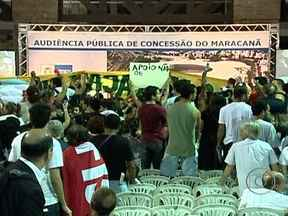 Confusão marca audiência pública sobre reformas do Maracanã - A reunião tinha o intuito de fazer com que representantes da sociedade civil e do governo pudessem trocar ideias, mas grupos contrários às demolições deram início à manifestação antes mesmo da audiência começar.