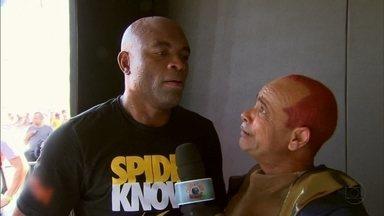 Encontro de titãs! Maçaranduba encontra Anderson Silva - Será que o campeão do MMA vai encarar?