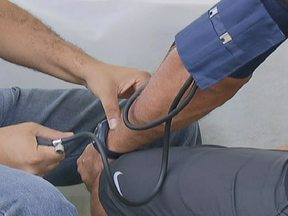 Especialista fala sobre a prevenção de doenças cardíacas - Estudos mostram que 300 mil pessoas morrem por ano no Brasil em consequência de arritmias.