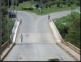 Ponte da Av Tancredo Neves que liga Fabriciano e Timóteo passa por vistoria - Ponte da Av Tancredo Neves que liga Fabriciano e Timóteo passa por vistoria.
