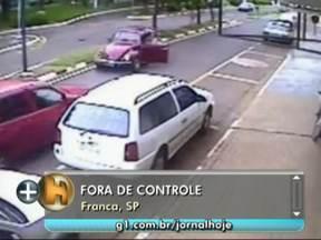 Motorista perde a direção em uma avenida em Franca - Ele passa a centímetros de outro carro que vinha no sentido contrário. // Motorista no Recife sobreviveu a um ataque de bandidos. Seu carro foi atigindo por 18 tiros.