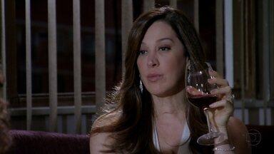 Lívia quer que Antonia assine contrato com nova boate - Wanda irá ajudar a vilã
