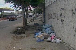 Moradores de vários bairros de Campina Grande sofrem com falta de coleta de lixo na cidade - Responsáveis pelas empresas que fazem coleta do lixo não foram encontrados ou não puderam falar sobre o que vem acontecendo.