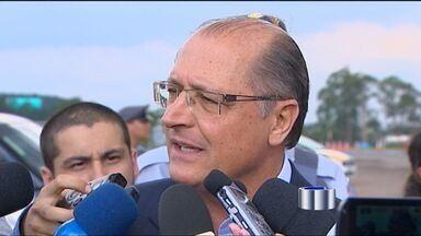 Alckmin anuncia 200 novos delegados no Estado - Cerca de 200 novos delegados devem começam a trabalhar ainda este mês em todo o Estado. O anúncio foi feito pelo governador Geraldo Alckmin (PSDB) que esteve em Atibaia na terça-feira (20).