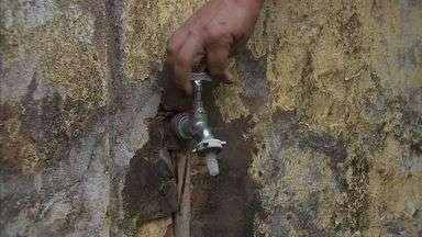 16 bairros em Fortaleza estão com abastecimento de água irregular - Governador Cid Gomes pediu desculpas para população por falta de água nas casas. Nova estação de tratamento de água promete melhorar o abastecimento de água na capital.
